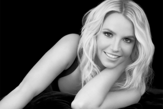 "Britney Gets Unplugged in New ""Hold On Tight"" Remix"